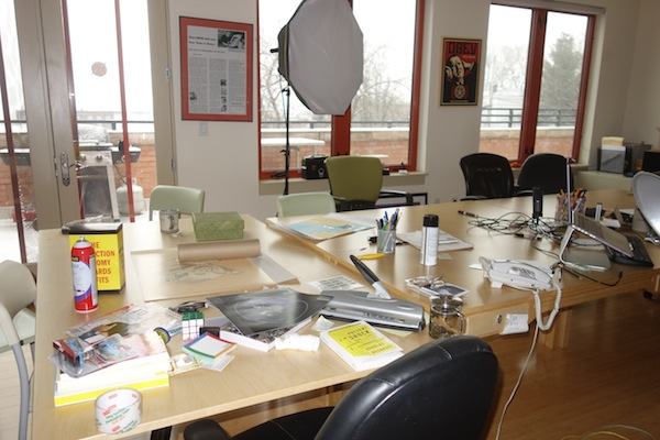 Image of Seth Godin's desk